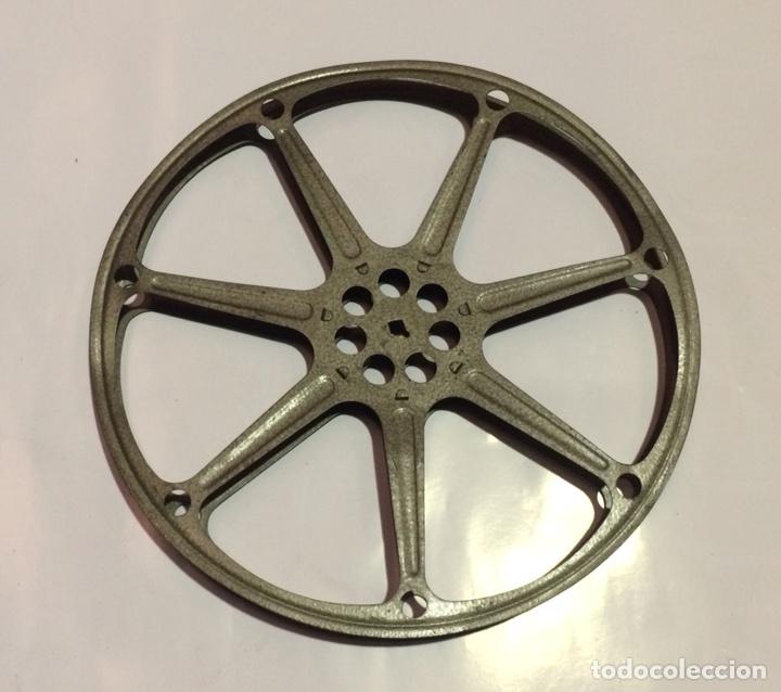 BOBINA DE 600 METROS PARA PELÍCULA DE 16MM DE METAL PINTADA EN GRIS (Cine - Películas - 16 mm)