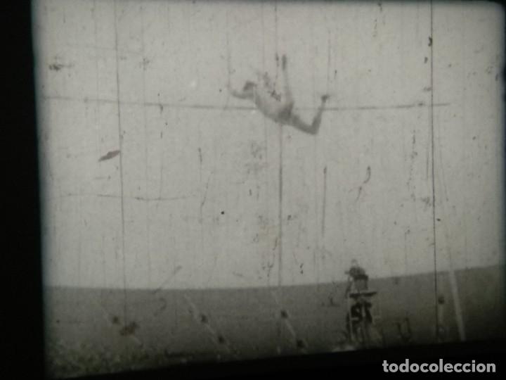 Cine: Cómo concluir una venta - Borden y Busse - CLOSING THE SALE - Reportaje en 16mm - Foto 36 - 116655287