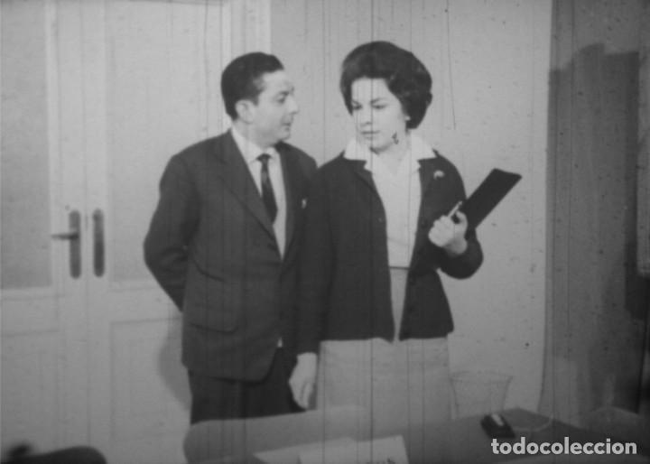Cine: REUNION A LAS CINCO - Película de cine de 16 mm titulada Reunión a las cinco - Foto 11 - 185726053