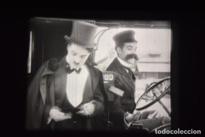 Cine: PELICULA 16MM - CHARLES CHAPLIN - CHARLOT A LA UNA DE LA MADRUGADA - Foto 11 - 220123360