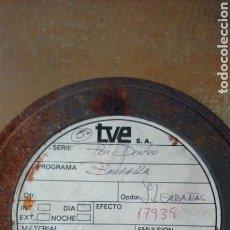 Cine: TELEVISIÓN ESPAÑOLA TVE - CAJA LATA DE PELÍCULA ORIGINAL PROGRAMA POR DENTRO AÑO 1981. Lote 155955230