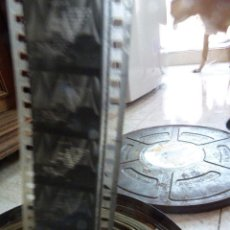 Cine: BOBINA DE 35 MM EN CAJA DE LATA. PELICULA DE 1934. DOS Y MEDIO. KENTUCKY KERNELS. BERT KALMAR,. Lote 160077930