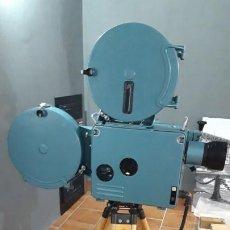 Cine: PROYECTOR DE CINE 35MM NUEVO LOMO KINAP. Lote 195419820