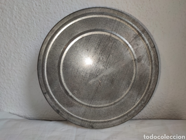 Cine: ANTIGUA CAJA METALICA LATA PARA PELICULA SUPER 8 Y 8MM - Mide 19 cm de diametro. Mide 4,2 cm alt - Foto 3 - 214749180