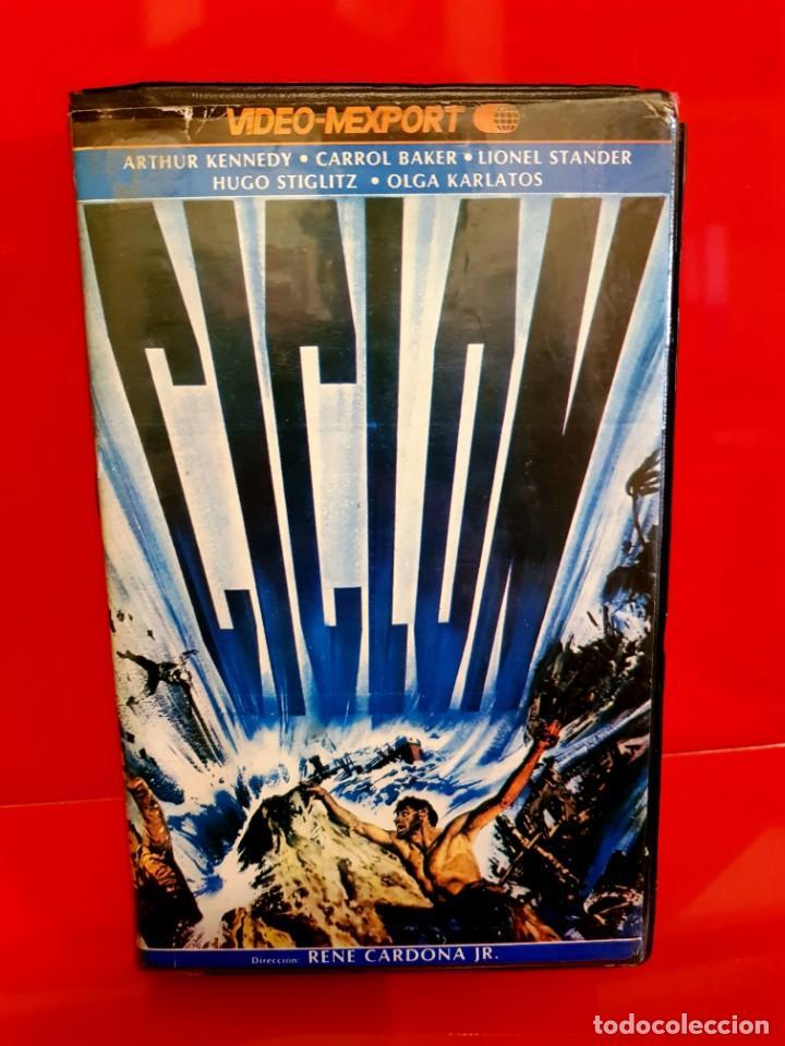 CICLÓN - CYCLONE (1978) TIBURONES ASESINOS. DIR. RENE CARDONA. OJO BETA (Cine - Películas - BETA)