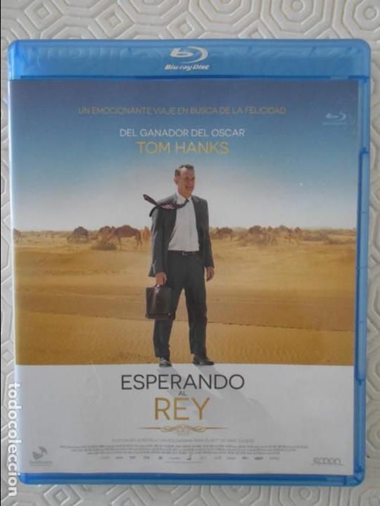 ESPERANDO AL REY. BLUY RAY DE LA PELICULA DE TOM HANKS. COLOR. 98 MINUTOS. (Cine - Películas - Blu-Ray Disc)