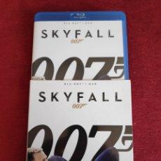 Cine: 007 SKYFALL - BLURAY + DVD - JAMES BOND. Lote 203133595