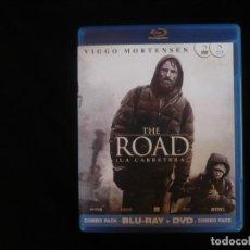 Cine: THE ROAD LA CARRETERA - COMBO BLURAY + DVD COMO NUEVOS. Lote 277278473