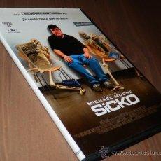 Cine: SICKO MICHAEL MOORE DVD DOCUMENTAL SANIDAD AMERICANA CASI NUEVO CAJA FINA C1-. Lote 39223952