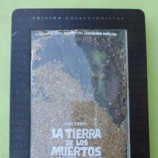 Cine: LA TIERRA DE LOS MUERTOS VIVIENTES - (EDICIÓN COLECCIONISTA CON DE CAJA METAL + TIERRA ) - DVD -. Lote 62429340