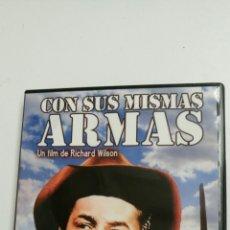 Cine: CON SUS MISMAS ARMAS, CON ROBERT MITCHUN, JAN STERLING Y KAREN SHARPE.. Lote 79752159