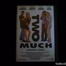 Cine: TWO MUCH - DVD COMO NUEVO. Lote 101073099