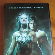 Cine: DVD LA REINA DE LOS CONDENADOS (2002) DE MICHAEL RHYMER. CON STUART TOWNSEND Y AALIYAH. COMO NUEVA. Lote 160111398