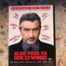 Cine: ALGO PASA EN HOLLYWOOD. Lote 164465968