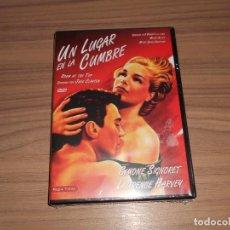 Cine: UN LUGAR EN LA CUMBRE DVD SIMONE SIGNORET LAURENCE HARVEY NUEVA PRECINTADA. Lote 207202836