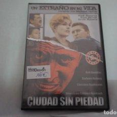Cinema: (ASIATICAS8) - 2 X DVD / 2 PELICULAS: UN EXTRAÑO EN MI VIDA - CIUDAD SIN PIEDAD. Lote 188708178