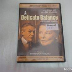 Cine: (16-B) - 1 X DVD / A DELICATE BALANCE - KATHARINE HEPBURN, PAUL SCOFIELD / TONY RICHARDSON. Lote 195119935