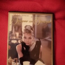 Cine: DVD DESAYUNO CON DIAMANTES - BLAKE EDWARDS - AUDREY HEPBURN - MICKEY ROONEY. Lote 207398212