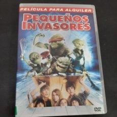Cine: V133 PEQUEÑOS INVASORES - SEGUNDA MANO PROCEDENCIA VIDEOCLUB. Lote 210637845