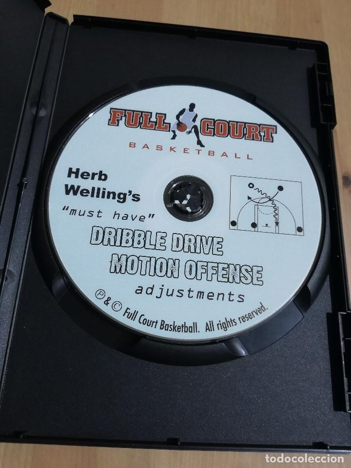 Cine: MUST HAVE DRIBBLE DRIVE MOTION OFFENSE ADJUSTMENTS (HERB WELLINGS) DVD - Foto 2 - 221514378