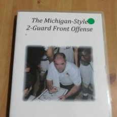 Cine: THE MICHIGAN STYLE 2 GUARD FRONT OFFENSE (TOM JICHA) DVD. Lote 221724978