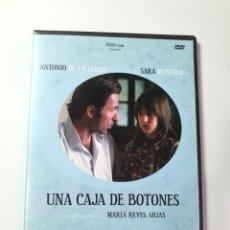 Cine: UNA CAJA DE BOTONES, ANTONIO DE LA TORRE, SARA MANTILLA, CORTOMETRAJE DE MARÍA REYES ARIAS.. Lote 227193730