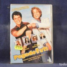 Cine: PEGADO A TI - DVD. Lote 261612055