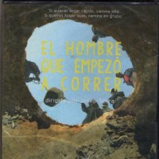 Cine: EL HOMBRE QUE EMPEZÓ A CORRER DVD - UN PROYECTO SOCIAL HUMANITARIO QUE EMPEZÓ SUFREINDO AL CORRER. Lote 262942200