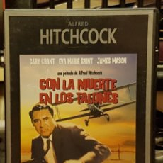 Cine: ALFRED HITCHCOCK - CON LA MUERTE EN LOS TALONES. Lote 263213050