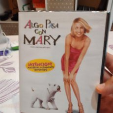 Cinema: G-81 DVD CINE NUEVO PRECINTADO ALGO PASA CON MARY. Lote 272127663