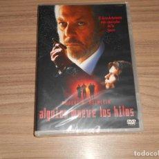 Cine: ALGUIEN MUEVE LOS HILOS DVD DONALD SUTHERLAND NUEVA PRECINTADA. Lote 294479378