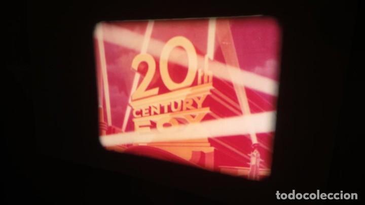Cine: LA TÚNICA SAGRADA-PELICULA SUPER 8MM RETRO VINTAGE FILM - Foto 5 - 106959227