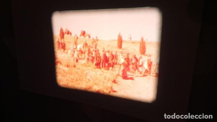 Cine: LA TÚNICA SAGRADA-PELICULA SUPER 8MM RETRO VINTAGE FILM - Foto 12 - 106959227