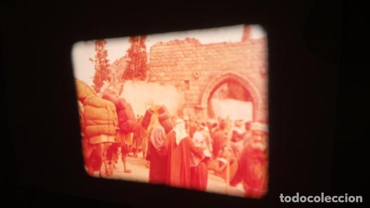 Cine: LA TÚNICA SAGRADA-PELICULA SUPER 8MM RETRO VINTAGE FILM - Foto 16 - 106959227