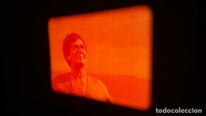 Cine: LA TÚNICA SAGRADA-PELICULA SUPER 8MM RETRO VINTAGE FILM - Foto 46 - 106959227