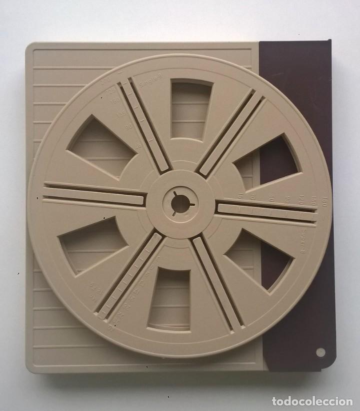 Cine: BOBINA Y CAJA VINTAGE PARA PELÍCULA Y PROYECTOR SUPER 8 MM - CAPACIDAD 180 METROS - AÑO 1975 - Foto 3 - 145454906