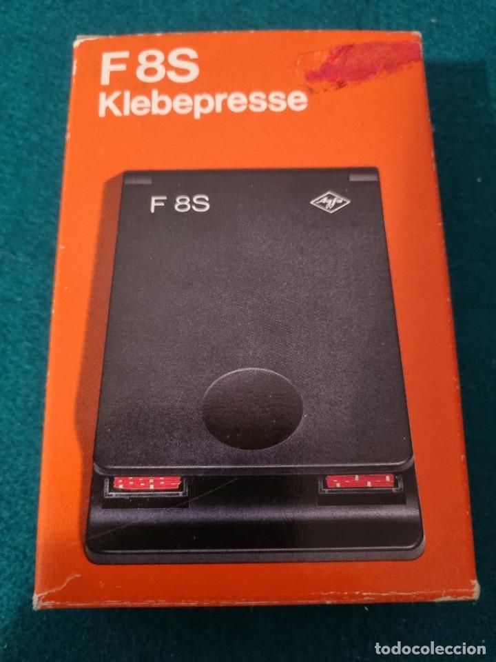 EMPALMADORA KLEBEPRESSE F8S CON CINTA ADESIVA (Cine - Películas - Super 8 mm)