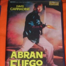 Cine: KITUS1983 --- ABRAN FUEGO --- (RARÍSIMA!!!) CON DAVID CARRADINE. Lote 49390118