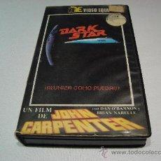 Cine: PELICULA VHS DARK STAR -ALUNIZA COMO PUEDAS- VIDEO EQUUS. Lote 27034498