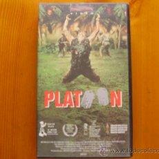Cine: VHS PLATOON (1986) DE OLIVER STONE. CON CHARLIE SHEEN, TOM BERENGER Y WILLEM DAFOE. ¡NUEVA!. Lote 27454325