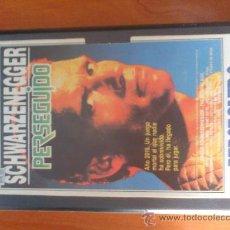 Cine: PELICULA PERSEGUIDO. SCHWARZENEGGER. VIDEO VHS.ACM. Lote 32644710