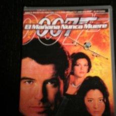Cine: EL MAÑANA NUNCA MUERE 007 - PELICULA VHS JAMES BOND - PIERCE BROSNAN . Lote 35424013
