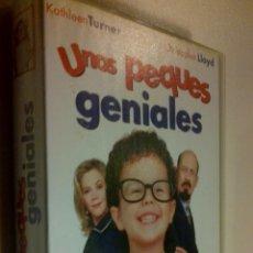 Cine: UNOS PEQUES GENIALES VHS.. Lote 42032055