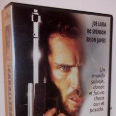 Cine: LOS CABALLEROS DE LA MUERTE VHS - SERIE B DE SCI-FI POSTAPOCALIPTICA ¡¡REBAJADA UN 50%!!. Lote 43443313