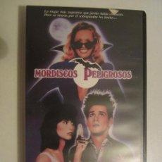 Cine: VHS MORDISCOS PELIGROSOS (LEER DESCRIPCIÓN). Lote 46785018