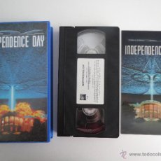 Cine: VHS INDEPENDENCE DAY ID4 CON CUBIERTA HOLOGRAFICA. Lote 51578432