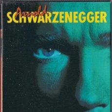 Cine: SCHWARZENEGGER EN ACCION - VHS - ESTUCHE CON DESAFIO TOTAL, DANKO Y CONAN EL DESTUCTOR. Lote 56729638