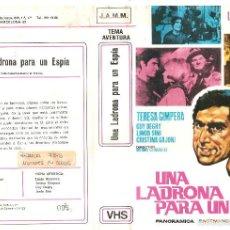 Cine: VHS UNA LADRONA PARA UN ESPIA (BRUNO CORBUCCI) 1967. 1ª EDICION ITALIANADA-REGALO MONTAJE CON DVD. Lote 58072183