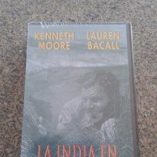 Cine: VHS -- LA INDIA EN LLAMAS -- KENNETH MOORE Y LAUREN BACALL -- CINE HISTORICO - NUEVA - PRECINTADA --. Lote 62970488