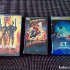 Cine: TRES PELICULAS VHS. EL ULTIMO GRAN HEROE - E.T Y SOLDADO UNIVERSAL.. Lote 79892481